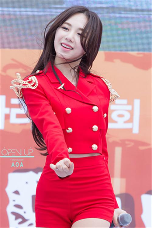 AOA韩国女团《Miniskirt》