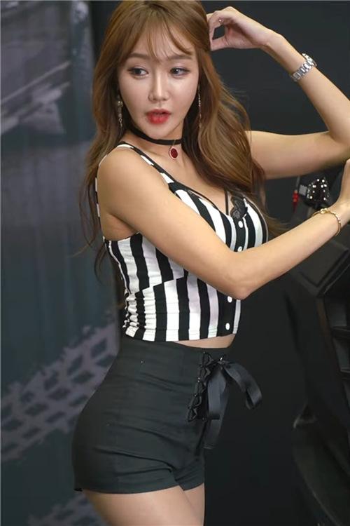 韩国性感模特精选饭拍21093